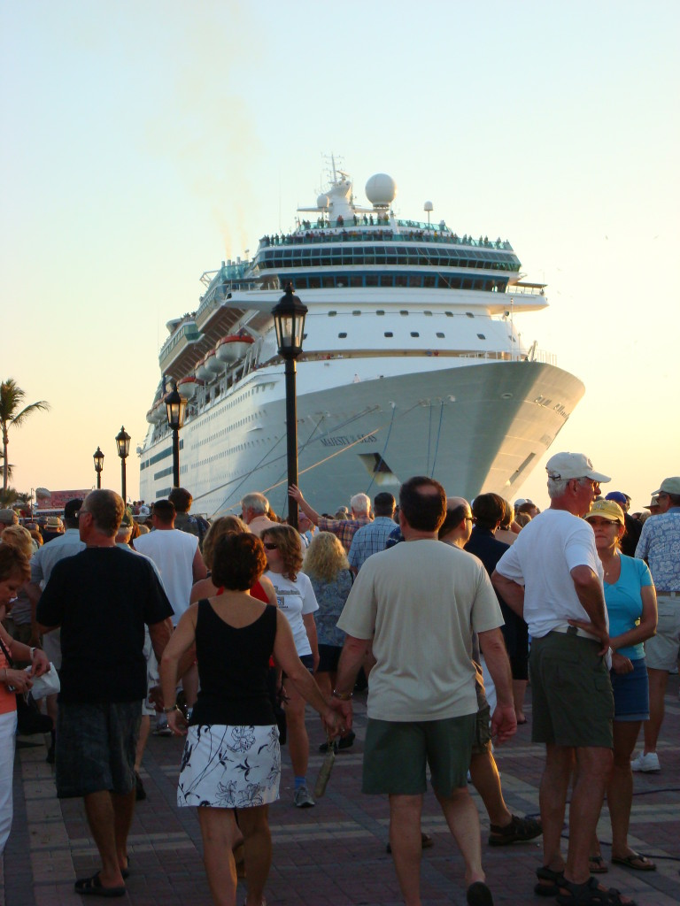 Headed back to the ship (photo by-CedarBendDrive CC-BY 3.0, Wikimedia Commons)