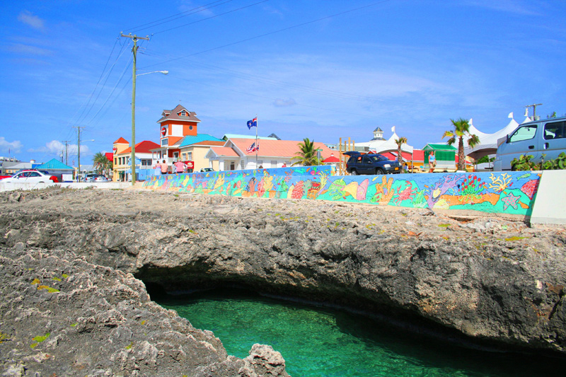 View of Georgetown, Grand Cayman from the water (photo by Fevi Yu CC BY 2.0, Wikimedia Commons)i